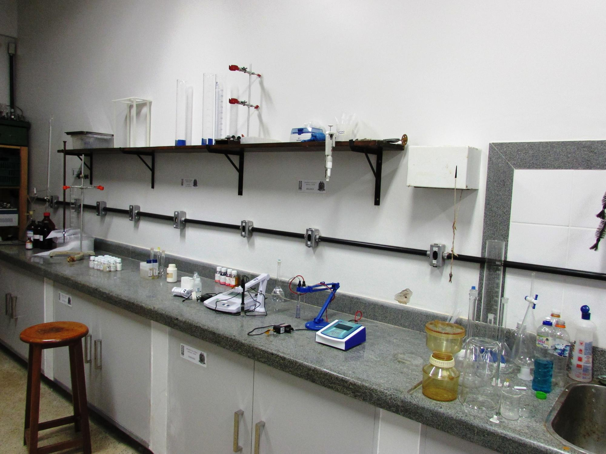 Laboratório Análises Químicas1